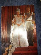 VINTAGE POSTCARD CORONATION ELIZABETH 1952 METALLIC FINISH TAYFOIL PRODUCT